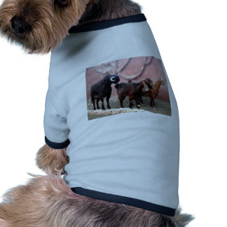 Tres cabras camiseta con mangas para perro