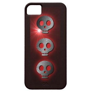 Tres caja roja del iphone 5 de los cráneos