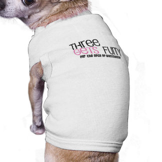 Tres consigue la camisa peluda del perrito playera sin mangas para perro