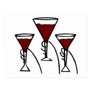 Tres copas de vino en dibujo animado de las manos postal