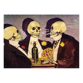 Tres esqueletos