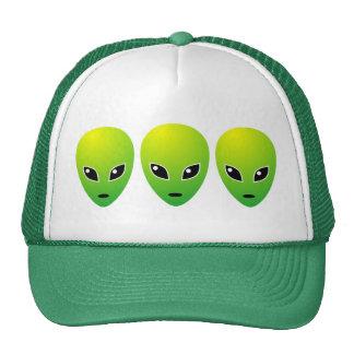 Tres extranjeros verdes - modificados para requisi gorra