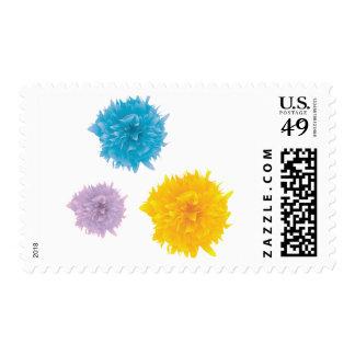 Tres floraciones coloridas envio
