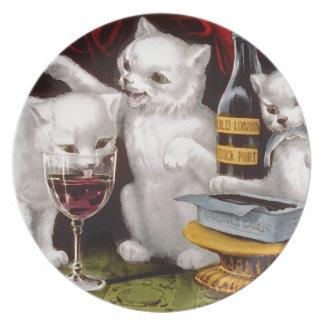 Tres gatitos alegres plato