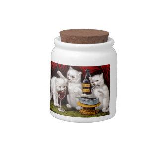 Tres gatitos alegres platos para caramelos