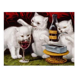Tres gatitos alegres postal