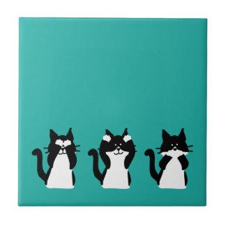 Tres gatitos sabios azulejo cuadrado pequeño