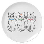 Tres gatos afortunados plato de cena