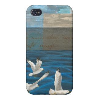 Tres gaviotas blancas que vuelan sobre el agua iPhone 4 funda