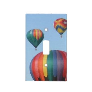 Tres globos del aire caliente tapa para interruptor