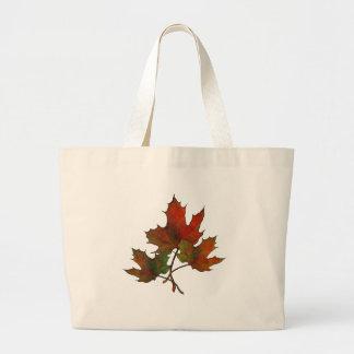 Tres hojas de arce en otoño: Arte del realismo Bolsa De Tela Grande