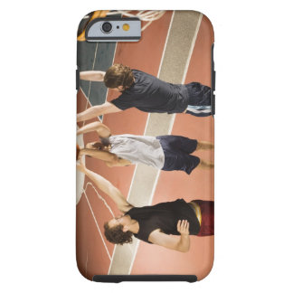 tres hombres en jugar atlético de la ropa funda resistente iPhone 6