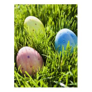 Tres huevos pintados tarjetas postales