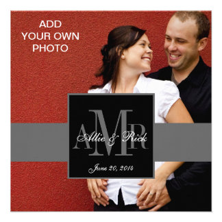 Tres monogramas con las invitaciones del boda de l anuncios