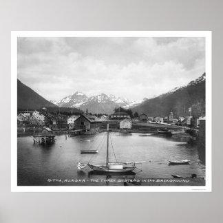 Tres montañas Sitka 1912 de las hermanas Posters