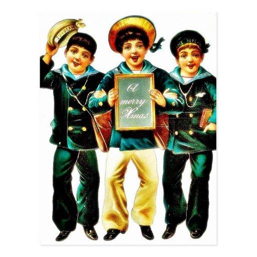 Tres muchachos y los muchachos uno llevan a cabo l postales