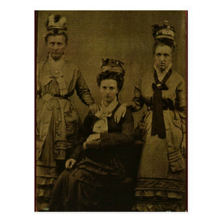 Tres mujeres del país circa 1870 postal