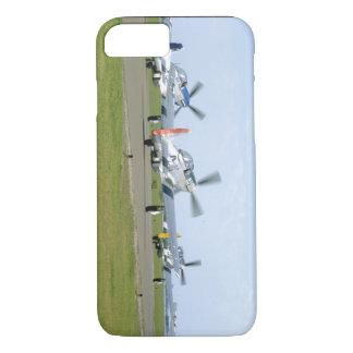 Tres mustangos P51 que toman los aviones de Funda iPhone 7