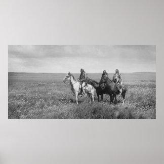 Tres nativos americanos de los Blackfeet de Piegan Posters
