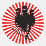 tres ninjas. etiqueta redonda