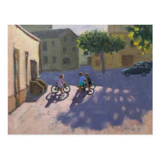 Tres niños con las bicicletas España Tarjetas Postales