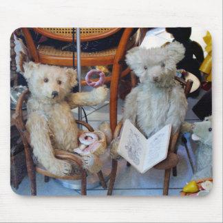 Tres osos de peluche felices alfombrilla de ratón