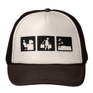 Tres pequeñas imágenes - mujeres 3 gorras