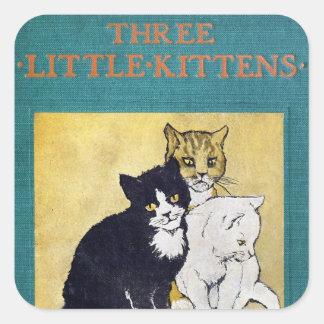 Tres pequeños gatitos pegatina cuadrada