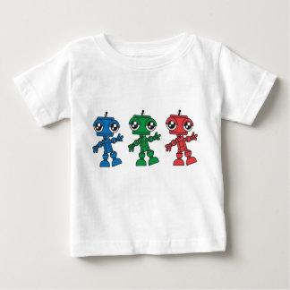 Tres pequeños robots camisas