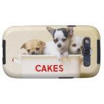 Tres perritos de la chihuahua en lata de la torta galaxy SIII cárcasa