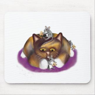 Tres ratones felices y su amigo del calicó mouse pad