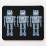 Tres robots tapetes de ratones