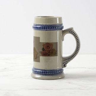 Tres rosas, palidecen coloreado taza de café
