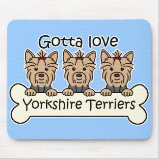 Tres terrieres de Yorkshire Tapetes De Raton