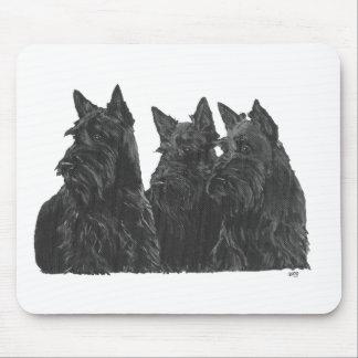 Tres terrieres escoceses alfombrillas de ratón