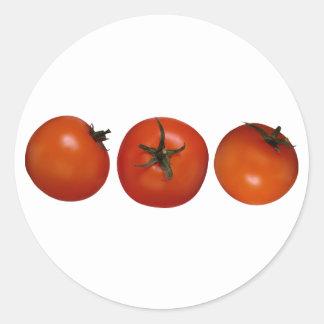 Tres tomates pegatina redonda