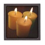 Tres velas de fotografía de la luz corta caja de joyas de calidad