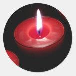 Tres velas rojas pegatina redonda
