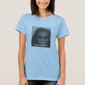 Trgdy Ann TV old movie face shot T-Shirt