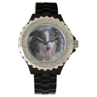 Tri cara coloreada del perro del border collie reloj