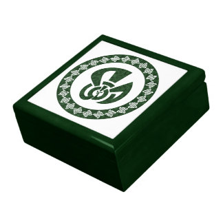 Tri-Point Celtic Knot - Peacock Shape with Border Gift Box