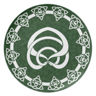 Tri-Point Celtic Knot; Serpent Center Dinner Plate