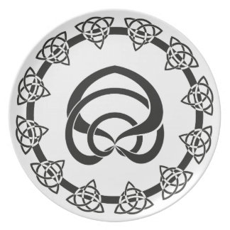 Tri-Point Celtic Knot; Serpent Center Melamine Plate