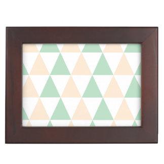 Triangles pattern memory box