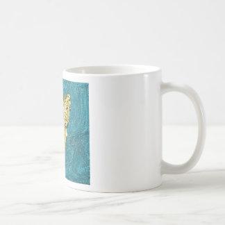 TRIANGULAR BROOCH COFFEE MUG