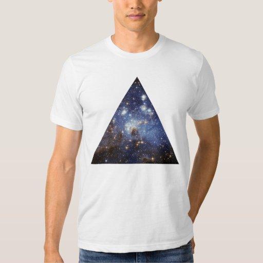 triángulo del espacio del inconformista camisas