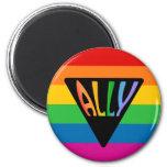 Triángulo gay del aliado imán redondo 5 cm