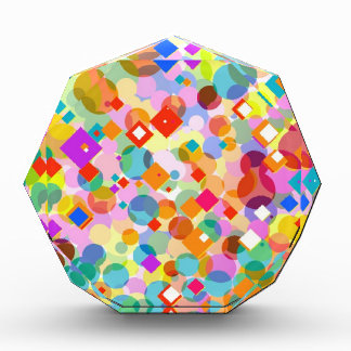 Triángulo y modelo de punto coloridos