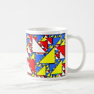triángulos 1 del truchet taza clásica
