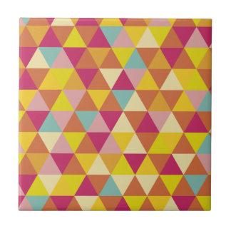 Triángulos del multicolor del polígono en forma azulejo cuadrado pequeño